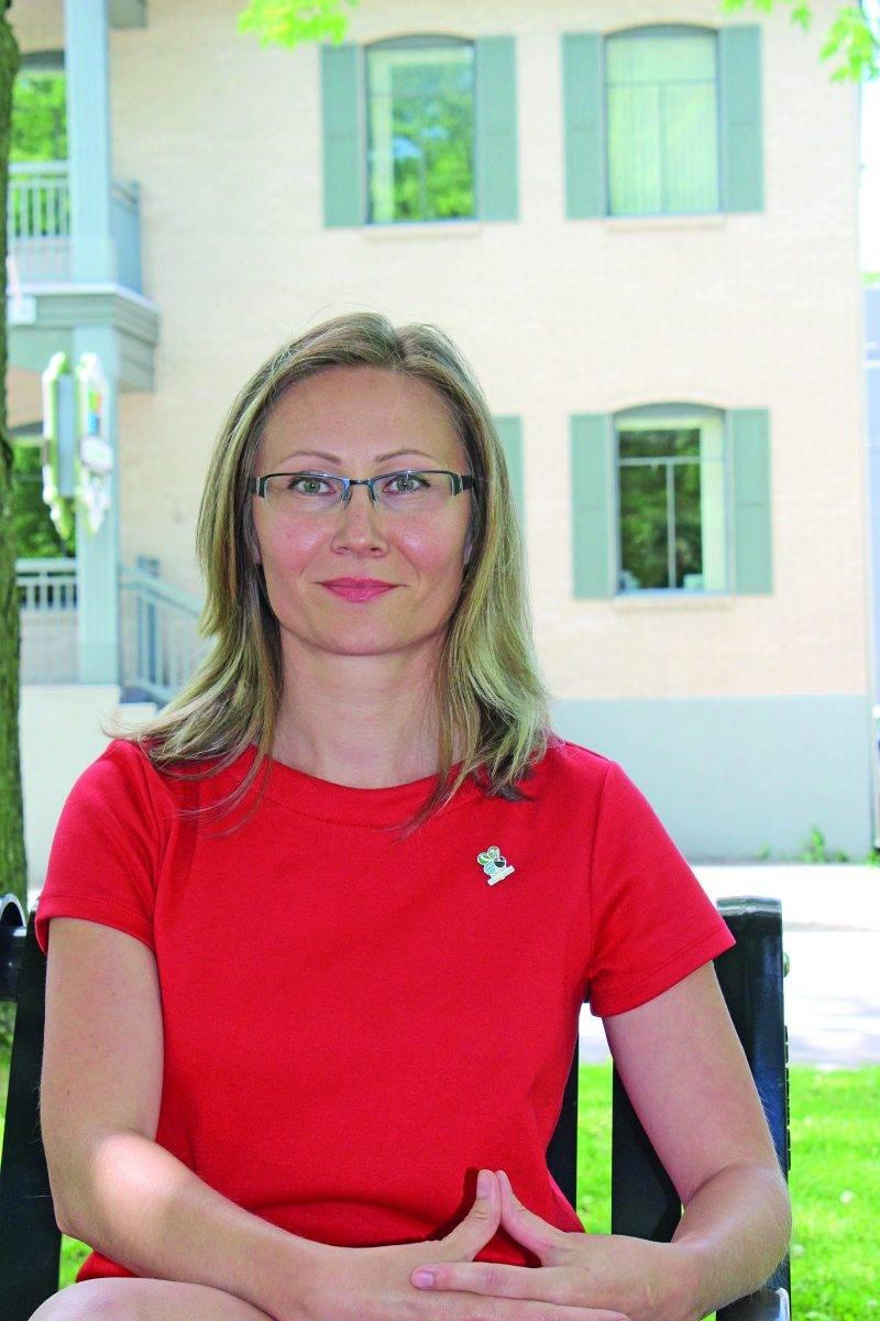 Anna Potapova s'est jointe à l'équipe de Développement économique de la MRC (DEM) à titre de commissaire au développement agricole et agroalimentaire. Photo : Denyse Bégin