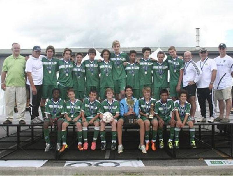 Le FC Saint-Hyacinthe U14 masculin A a triomphé au tournoi de Brossard, en battant le Cosmos de Granby 3-0 en finale. L'équipe est demeurée invaincue durant ce tournoi, avec des victoires de 6-0, 6-0 et 2-1. Il s'agit du deuxième tournoi remporté par cette formation cet été. En juillet, ils avaient remporté la finale du tournoi de Drummondville par la marque de 2-0.