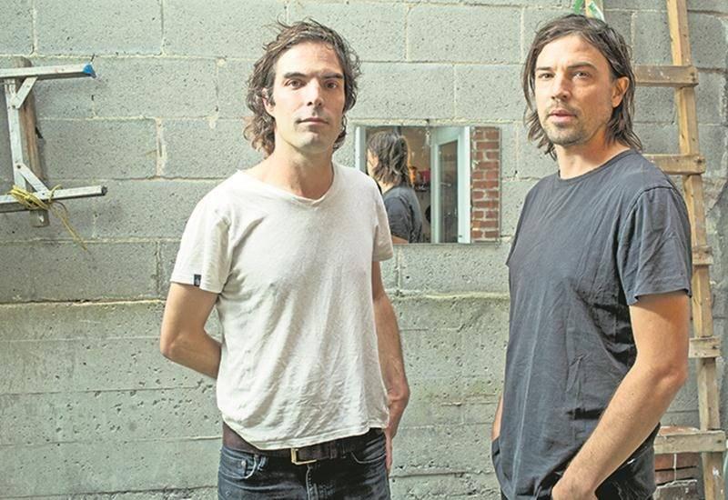 Le groupe The Barr Brothers, évoluant autour de la complicité et de l'audace des frères Brad et Andrew Barr, a la réputation d'offrir des spectacles mémorables. Photo Pedro Ruiz