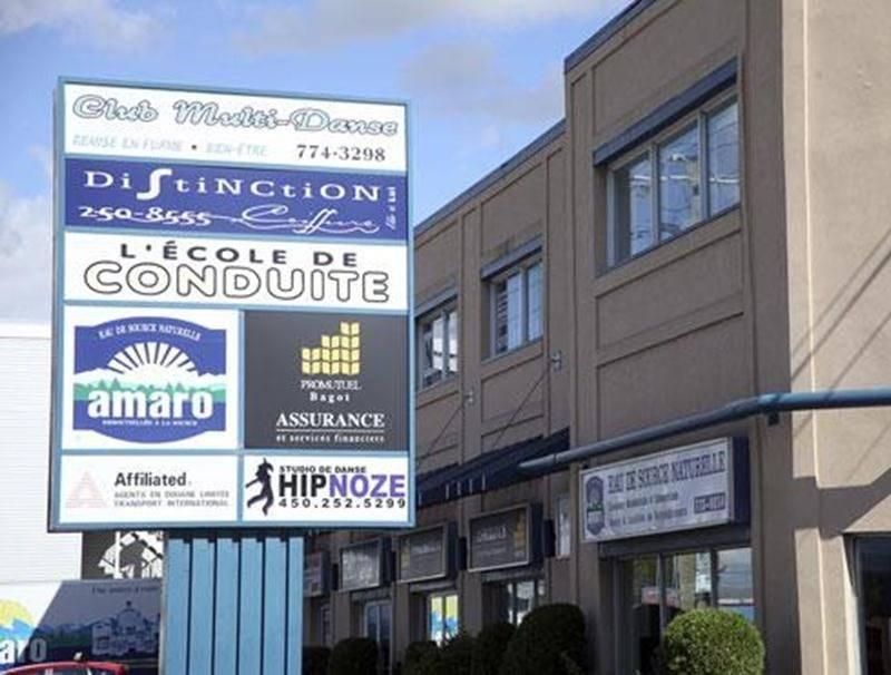 Une incompréhension a mené à une confusion la semaine dernière alors qu'il était rapporté que les bureaux d'Amaro à Saint-Hyacinthe resteraient ouverts malgré le changement de distributeur. Or, l'entreprise a mis la clé dans la porte de sa place d'affaires maskoutaine samedi. Les services de distribution et de livraison d'eau demeurent toutefois inchangés, comme mentionné dans LE COURRIER. Le distributeur André Bissonnette prendra la relève de Jean Ménard sur le territoire maskoutain.