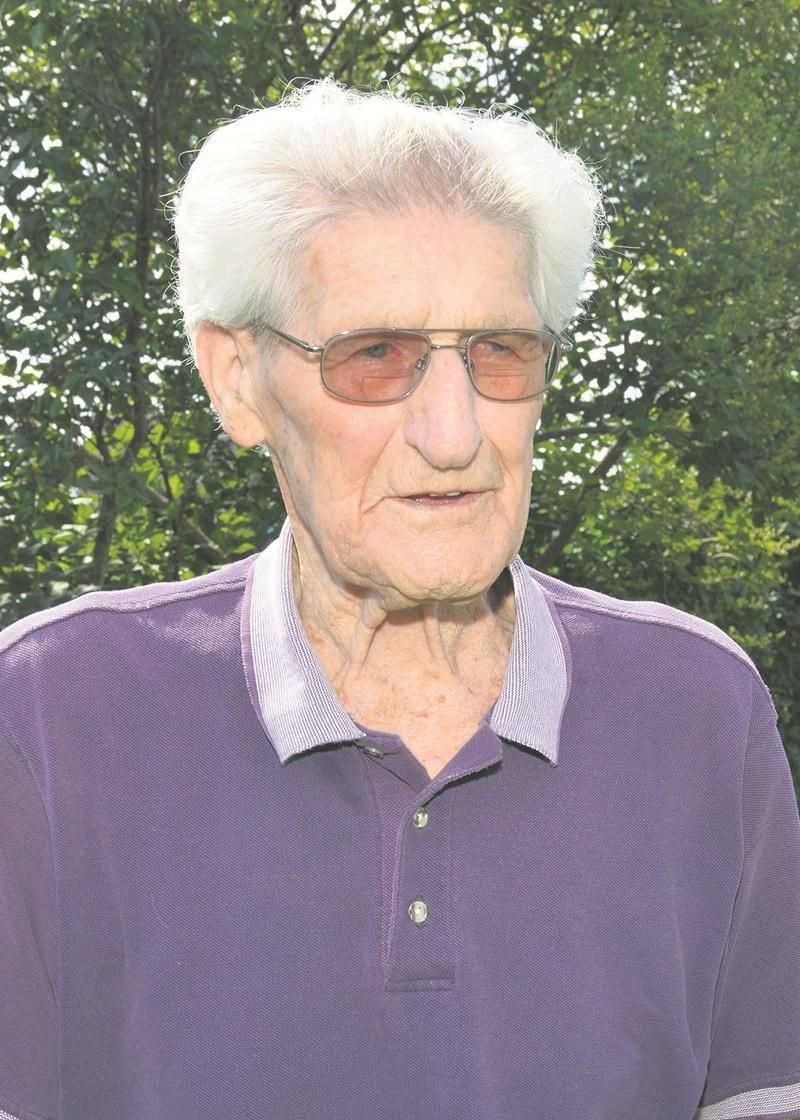 Roger Pinard, 92 ans, n'a pas envie de quitter son logis de l'avenue Saint-François.   Photo François Larivière | Le Courrier ©