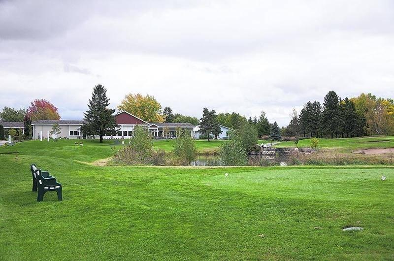 Le terrain de golf La Providence sera transformé en quartier résidentiel. Entre 1200 et 1500 portes pourraient apparaître dans le paysage maskoutain sur un horizon de 10 à 15 ans. Photothèque | Le Courrier ©