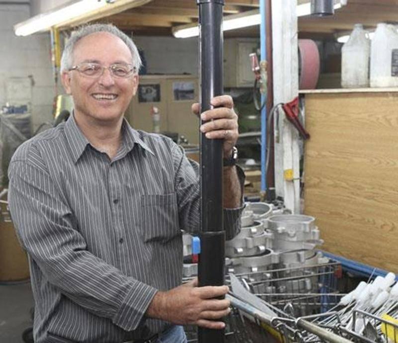 Carl Jobin, propriétaire de l'entreprise Métallurgie Syca à Saint-Dominique.
