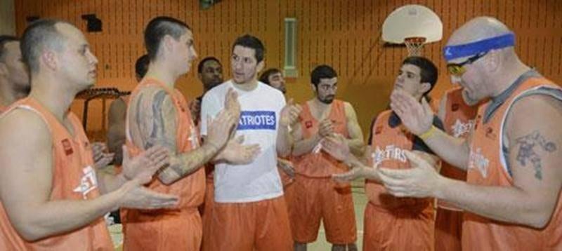 Il aura fallu deux prolongations pour que les Stars viennent à bout du Basket3Rivières et signent un premier gain cette saison.