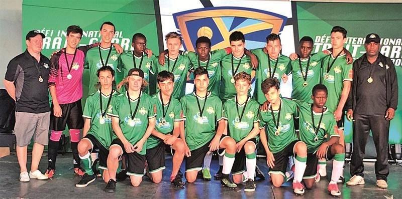Le FC Saint-Hyacinthe U15 AA, médaillé d'argent.