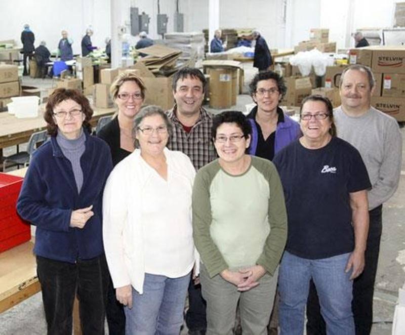 Sur la photo on aperçoit, à l'arrière au centre, Patrick Darrigrand, directeur général des Ateliers Transition, entouré de son équipe.
