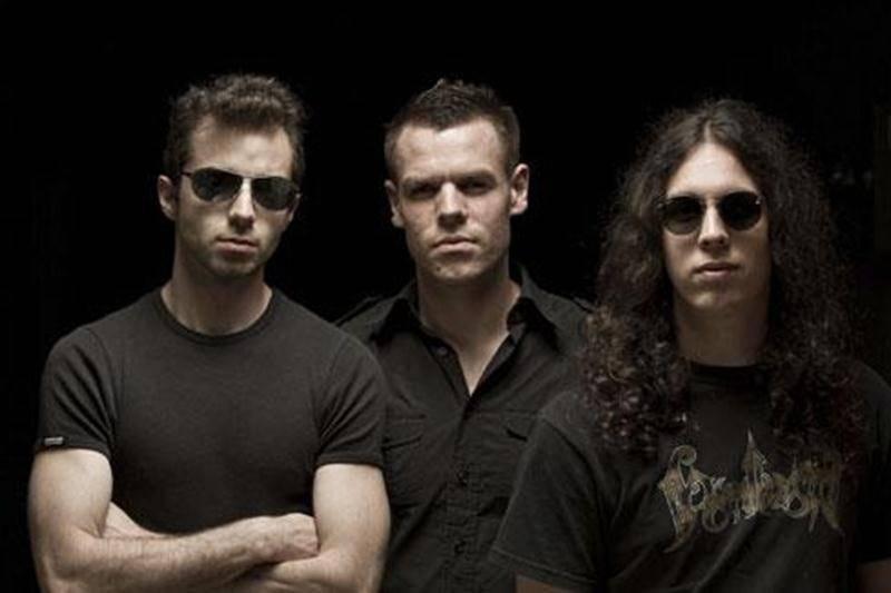 Le groupe Kolony assurera la première partie du groupe Alcoholica qui présentera un spectacle hommage à Metallica, le vendredi 16 mars à la salle théâtre La Scène dès 20h.