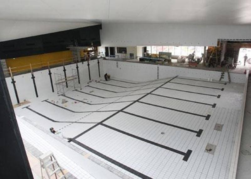 Les travaux se poursuivent au Centre récréoaquatique.