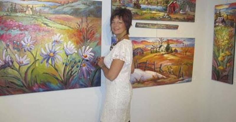 La prochaine démonstration-conférence est prévue le mercredi 5 mars à 19h30 en compagnie de Suzanne Claveau, artiste peintre, propriétaire d'une galerie d'art sur le Chemin du Roy à Portneuf. Née à Ville Saguenay, elle y fait ses Beaux-Arts et au terme de ses études, la peinture à l'huile devient son mode d'expression. Outre l'enseignement, elle consacre son temps aux symposiums et expositions tout en continuant de perfectionner son style avec plusieurs maîtres. Elle exécutera un tableau tout
