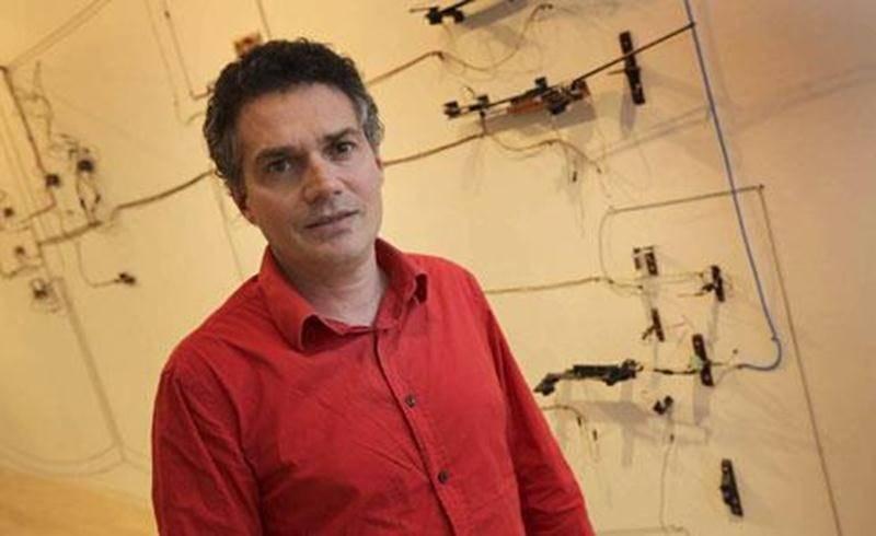 Jean-Pierre Gauthier réalise des oeuvres sonores qui offrent des expériences immersives à ses visiteurs.