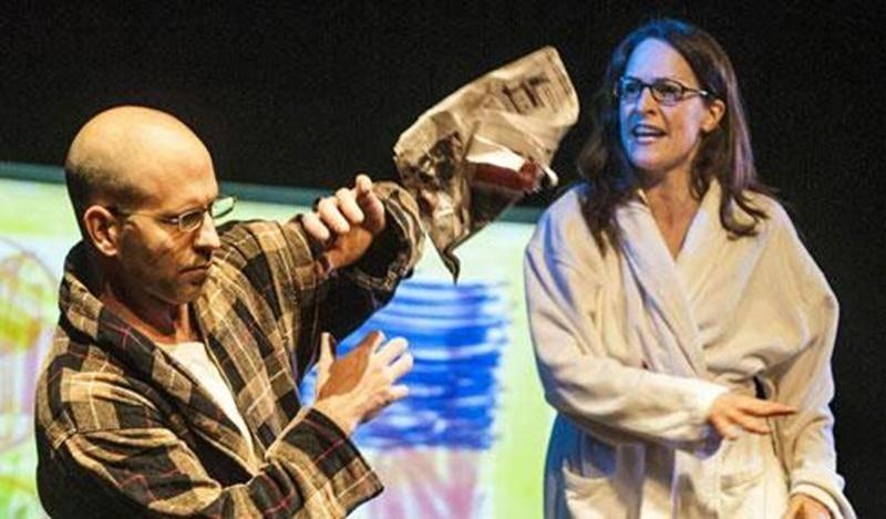 La pièce <em>Enfantillages</em> écrite par François Archambault est en tournée au Québec jusqu'en mai.