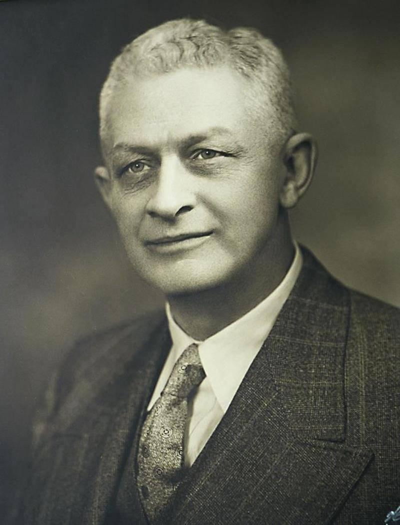 Ernest J. Chartier, propriétaire du Courrier de Saint-Hyacinthe de 1932 à 1954 et député de Saint-Hyacinthe de 1944 à 1954.