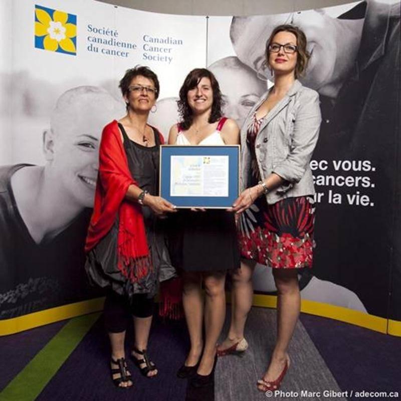 Lise Trudel et Stéphanie Nadeau ont reçu l'un des trois grands prix canadiens en compagnie de Mélanie Champagne, analyste des politiques à la SCC et responsable de la défense de l'intérêt public à la Division du Québec de la SCC.