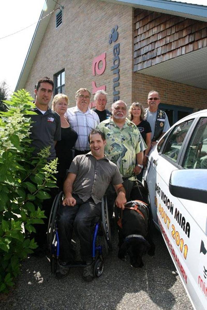 La Fondation Mira de Sainte-Madeleine a présenté les grandes lignes du Défi Vision Granby 2011. La course la plus folle au monde aura lieu à l'autodrome de Granby, le vendredi 19 août. Le porte-parole de cette course qui met en scène des non-voyants et des personnalités de divers milieux est l'humoriste et comédien Dave Richer.