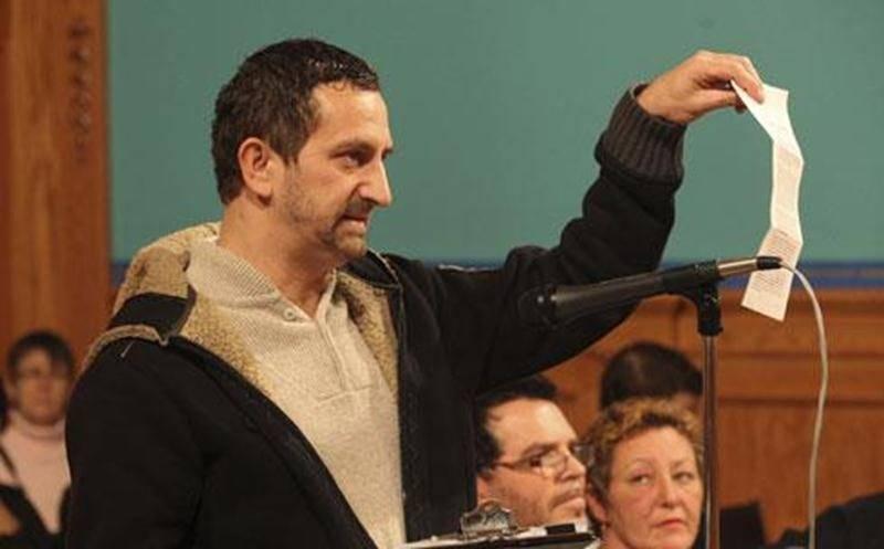 Patrick Ney, qui avait déposé une pétition contre l'harmonisation à la séance du conseil municipal du 5 décembre 2011, est de retour dans le dossier.