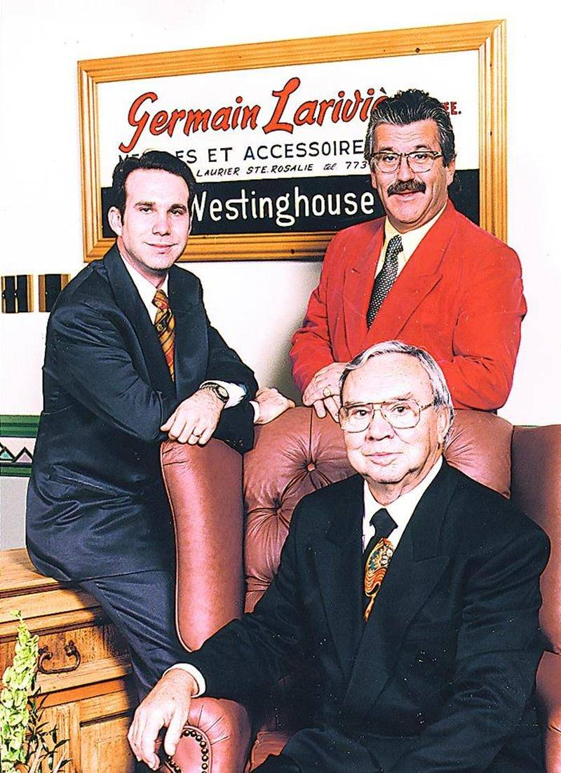 Une affaire de famille : David, Jean et Germain posent ensemble pour souligner les 40 ans de l'entreprise en novembre 1997.
