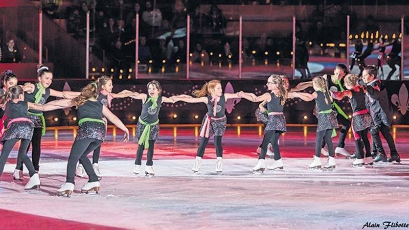 Un spectacle coloré pour le club de patinage artistique