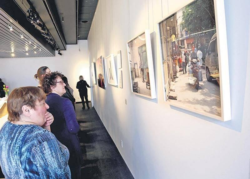 La collection d'œuvres d'art visuel contemporain du Cégep de Saint-Hyacinthe compte une douzaine de nouveautés, dont ces deux photographies de l'artiste Kim Waldron.