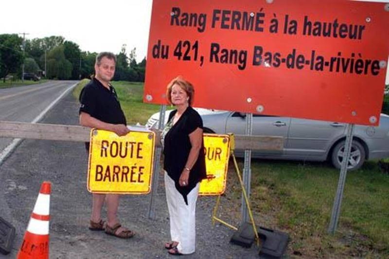 Jean-Pierre Lapointe et Sylvie Beauregard déposeront une pétition de 1000 signatures au conseil municipal de Saint-Pie.