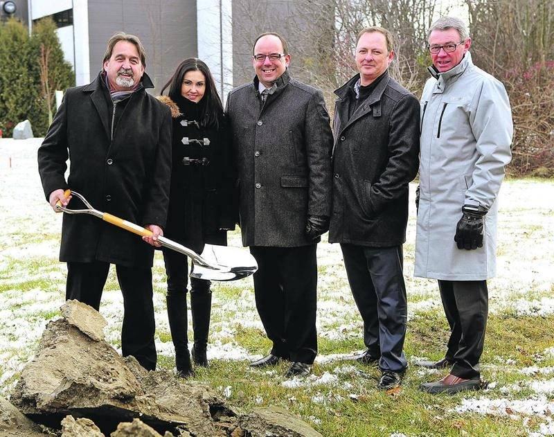 La construction du nouveau complexe sportif et de génie civil du Cégep de Saint-Hyacinthe sera complétée en juin. Photo Robert Gosselin | Le Courrier ©