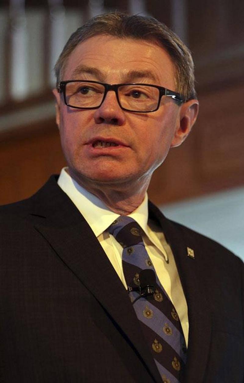 Le maire de Saint-Hyacinthe, Claude Corbeil, durant son discours au restaurant Le Parvis.
