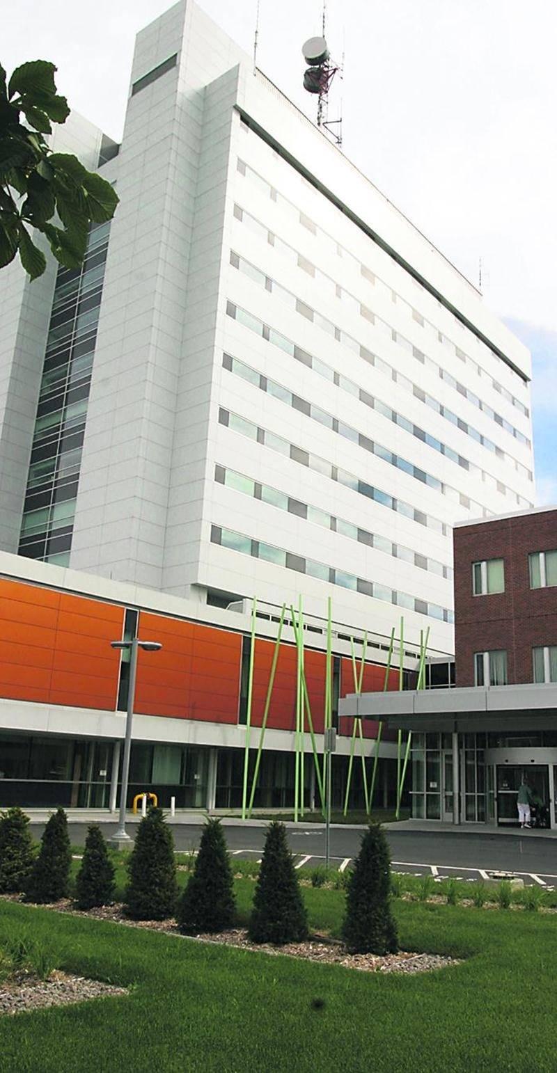 L'Hôpital Honoré-Mercier est prêt à réagir si des patients atteints par le virus Ebola franchissent ses portes.  Photothèque | Le Courrier ©