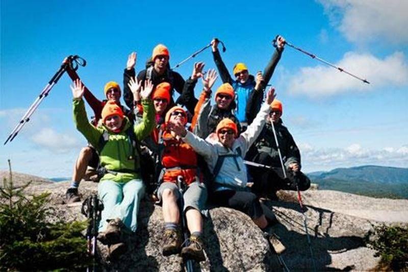 Les membres du groupe les <em>Tuques orange</em> s'envoleront le 1<sup>er</sup> janvier pour la Tazanie et tenteront d'atteindre le sommet du Kilimandjaro aux profits de la Société canadienne du cancer.
