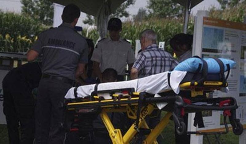 Un exposant a subi un malaise mardi à Expo-Champs. Rapidement, il a été pris en charge par des intervenants d'Ambulance Saint-Jean et le Service de premiers répondants de Saint-Liboire.