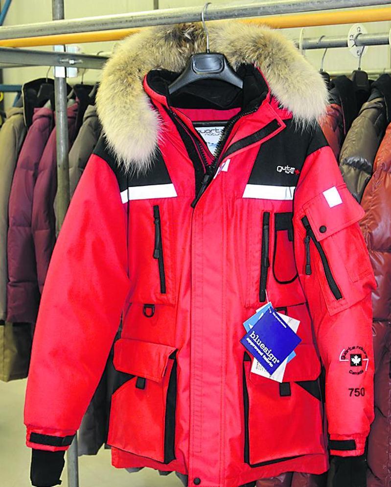 Le modèle Vostok, un manteau d'expédition, est celui ayant été volé en plus grand nombre lundi soir. Photo François Larivière | Le Courrier ©