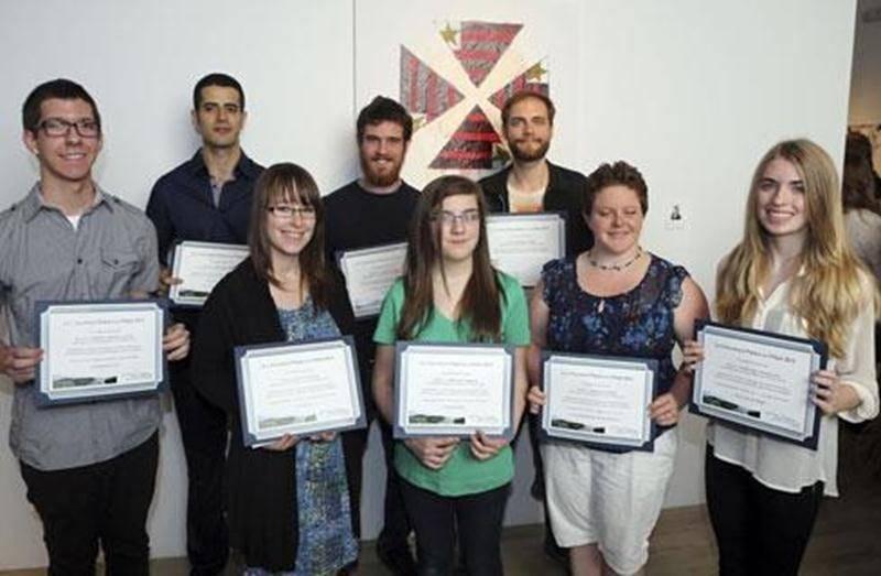 Les gagnants de la 11 e édition du concours <em>Place à la critique</em> figurent respectivement tel que cité.