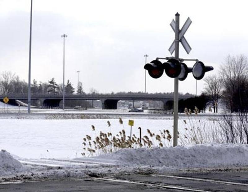 Les fondations d'un pont d'étagement ferroviaire sur l'autoroute20 seront coulées pendant la reconstruction du pont Laframboise.