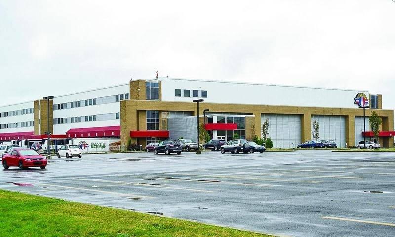 Le centre de distribution et administratif d'Olymel à Boucherville.  Photo François Larivière | Le Courrier ©
