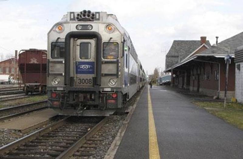 L'AMT a mené une série de tests avec ses nouvelles locomotives bimodes sur les rails de Saint-Hyacinthe.