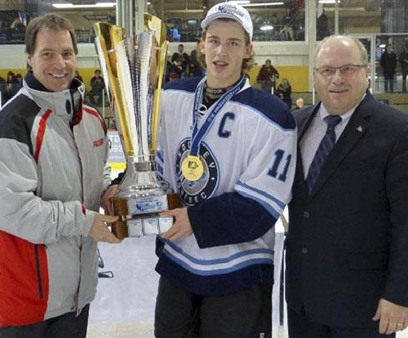 Équipe Québec U16, comptant dans ses rangs les Gaulois Jérémy Roy, Guillaume Brisebois et Anthony Beauvillier, a remporté la première Coupe Québec.