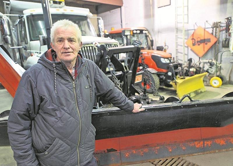 Claude Hébert a quitté le garage municipal après 50 ans au service de la municipalité de Sainte-Madeleine.   Photo Robert Gosselin | Le Courrier ©