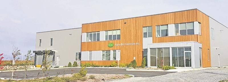 L'usine d'Agro-Bio Contrôle a répondu aux critères de la certification LEED en matière de normes environnementales pour une nouvelle construction. Photo courtoisie