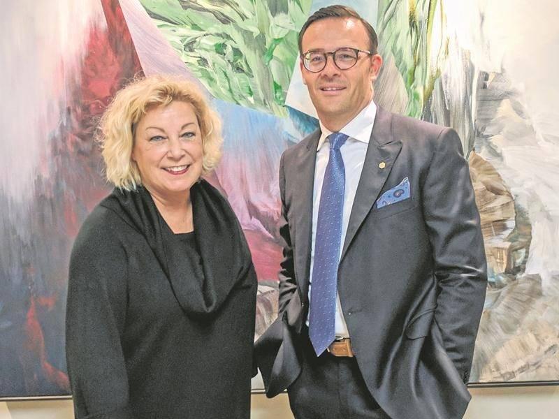 Guy Cormier en compagnie de Michèle Noël, directrice générale de la Fondation des Auberges du cœur.