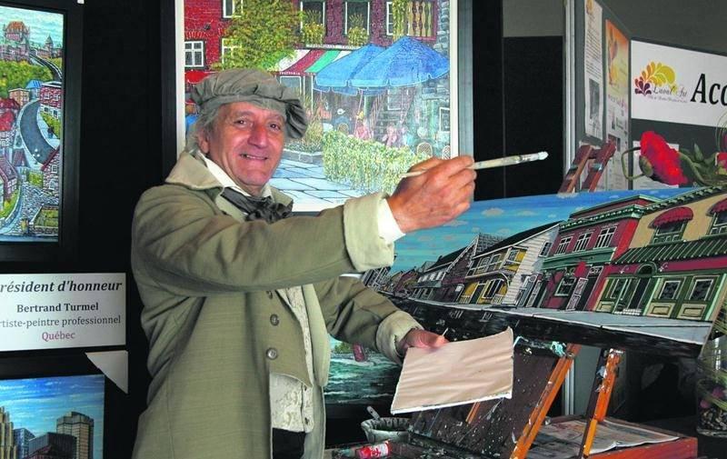 L'Exposium de peinture des Galeries St-Hyacinthe, un événement qui réunira petits et grands artistes du Québec avec qui vous pourrez partager votre passion pour l'art. Sur la photo, Bertrand Turmel, porte-parole de l'activité.