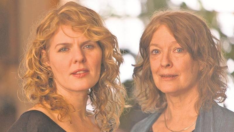 Coral Egan et Karen Young, deux des grandes voix du Québec, promettent de faire résonner l'Espace RONA le jeudi 30 novembre. Photo Roger Aziz