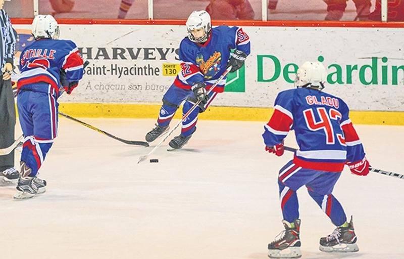 Dès la saison prochaine, les premiers coups de patin seront donnés en septembre plutôt qu'en août, suivant ainsi les recommandations faites par Hockey Québec.