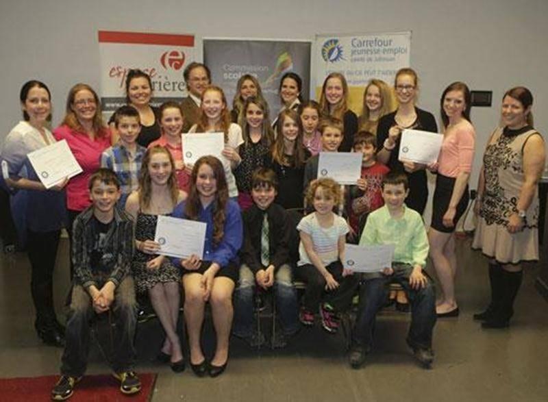 Les jeunes lauréats du volet local du Concours québécois en entrepreneuriat étudiant.