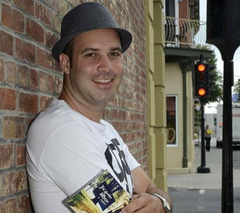 Fred Laverdure a lancé son premier album <em>Un rock à l'ombre</em> le vendredi 27 juin.