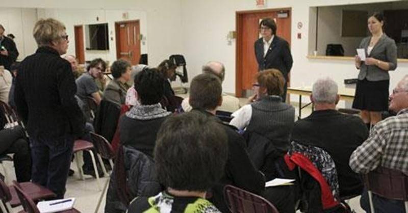 Plus de 45 personnes se sont présentées à la consultation publique sur l'assurance-emploi qui s'est tenue le 14 novembre au Centre Rosalie-Papineau.