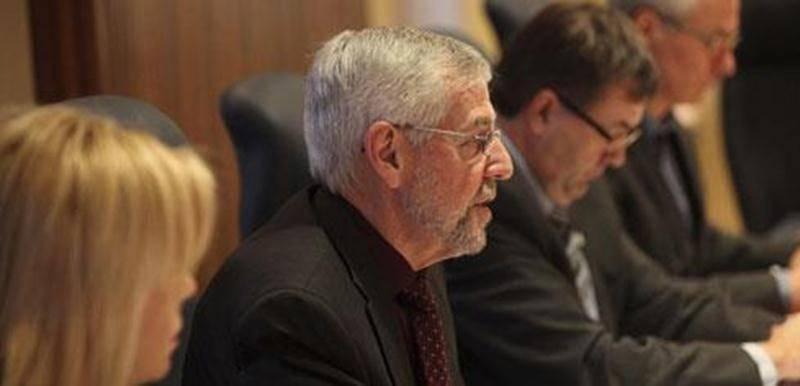 Le maire de Saint-Hyacinthe, Claude Bernier, a tenu un point de presse lundi pour présenter les prévision budgétaires 2012 de la Ville de Saint-Hyacinthe.