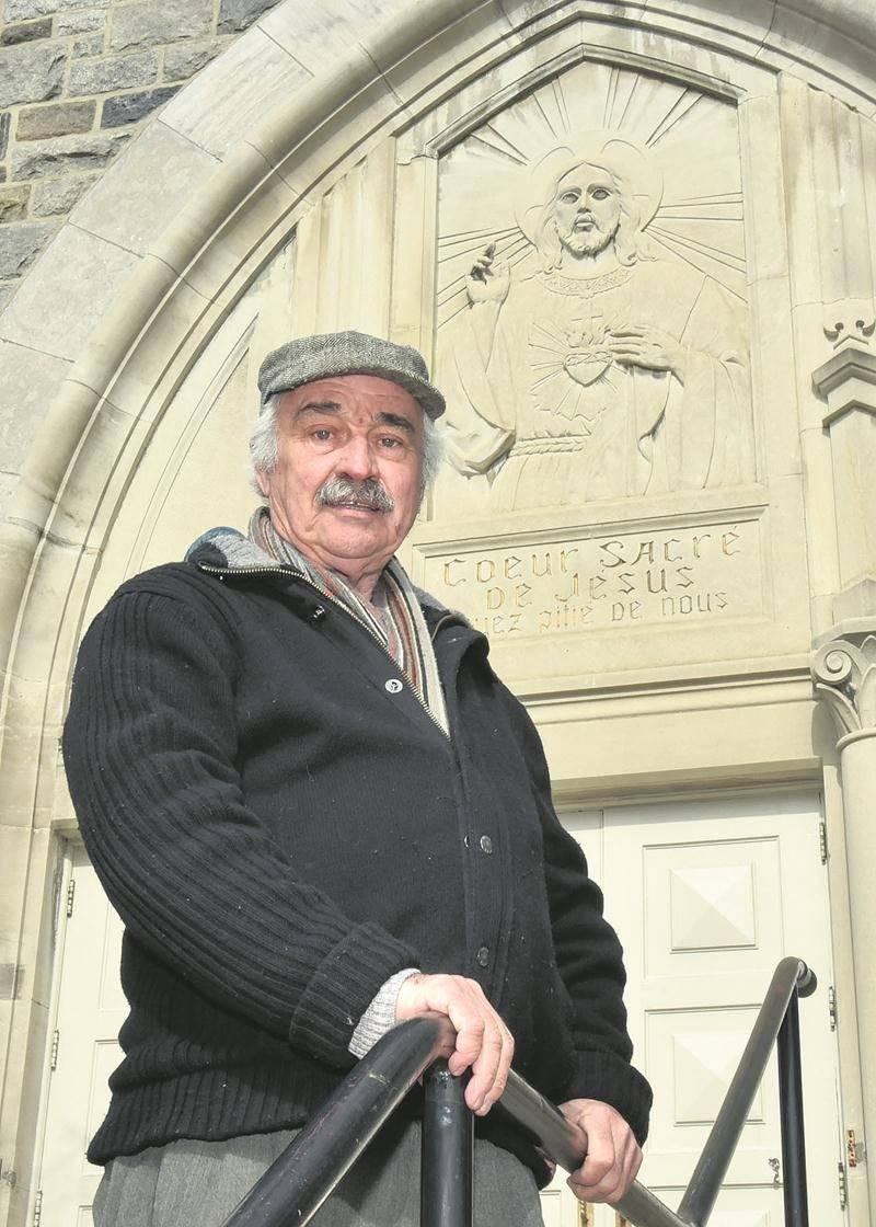 Bernard Lajoie propose que la sculpture du Sacré-Cœur devienne un mémorial sur le site de  l'église et du collège Sacé-Coeur.  Photo François Larivière | Le Courrier ©