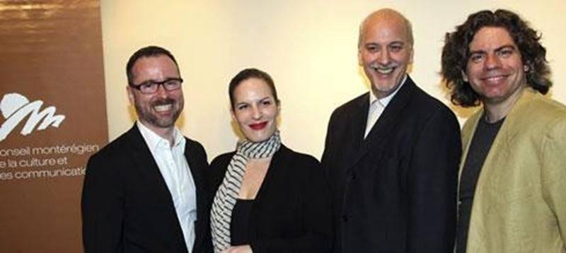 Dominic Trudel, directeur général du CMCC, Karoline Georges, écrivaine de Saint-Hyacinthe, Marc Drouin, représentant du CALQ et Sylvain Massé, président CMCC, acteur et directeur artistique du théâtre Motus.