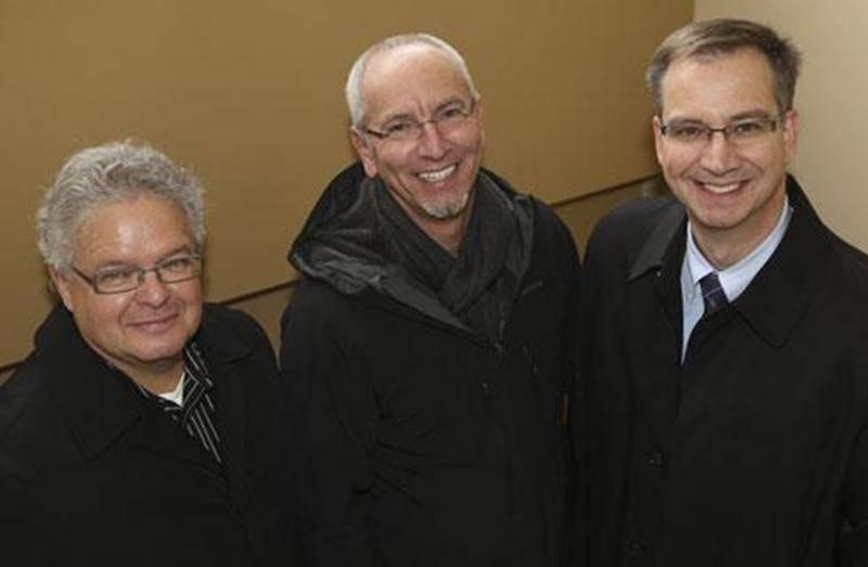 Dans l'ordre habituel, Daniel Laplante, directeur général de Centraide Richelieu-Yamaska, Pierre Rhéaume et Vincent Giard, coprésidents de la campagne de financement annuel.