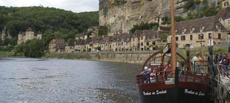 Les Aventuriers Voyageurs présenteront le film « Dans le Sud de la France », le mercredi 13 mars, à 19 h, au Cinéma Saint-Hyacinthe. Suivez les aventures d'Alain et Richard qui partent à la rencontre de la population afin de présenter cette région du Sud de la France comme jamais vous ne l'aurez vue! « Dans le Sud de la France » convie le spectateur à sortir des sentiers battus et des clichés sur la grande région méridionale. Du Périgord à la Provence, ce film enchaîne des images inattendues. Un