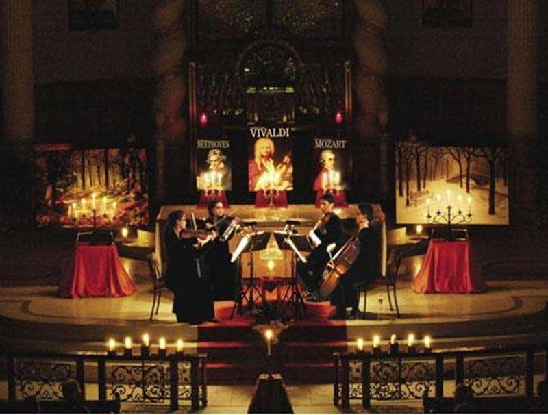 Si vous n'avez pas encore vécu l'expérience d'un concert de musique éclairé à la lueur des chandelles, voici votre chance! Imaginez les Quatre saisons de Vivaldi mariées aux plus belles mélodies cinématographiques dans le décor magique d'une église uniquement illuminée de chandelles! Voilà ce à quoi est convié l'auditeur de ce concert de l'Ensemble Ambitus le samedi 17 mai, à 20 h, à l'église Assomption (12 960, rue Wilson). Vous pourrez entendre lors de cette soirée l'hymne à la joie de Beethov