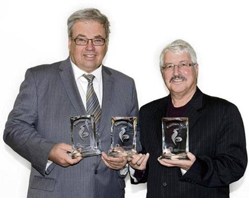 Sur la photo, Robert Robert jr, président 2013 et Léon Sansoucy, président 2012.